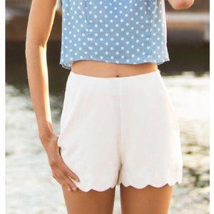 Monteau White High-Waisted Scalloped Shorts